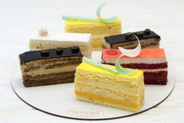 Нарезные пирожные