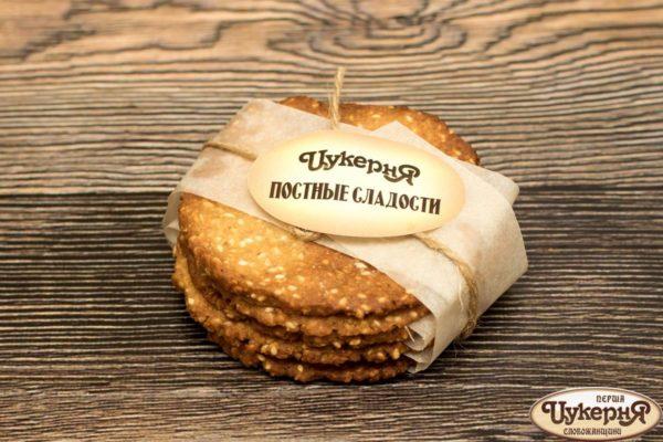 Грильяжное печенье с кунжутом