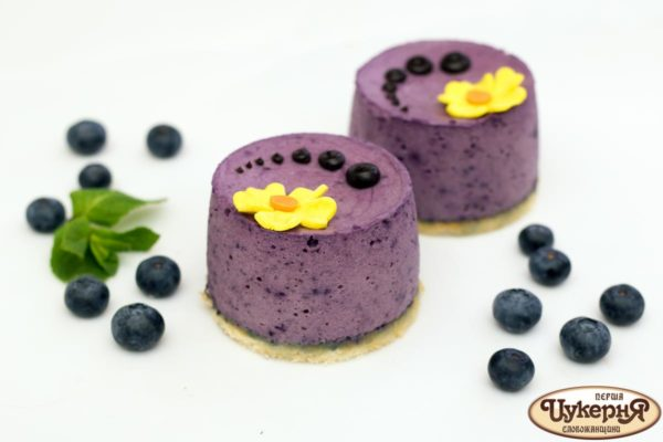 Черничный творожный десерт