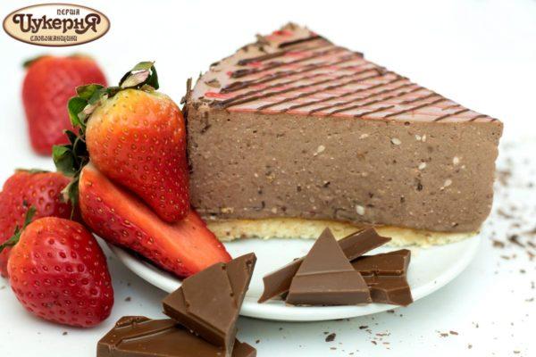 Шоколадно-клубничный десерт