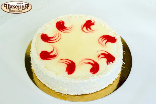 Легкий творожный торт с клубникой
