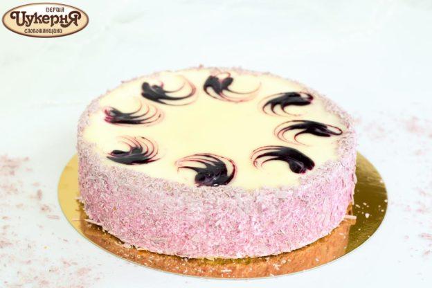 Торт творожный со смородиной